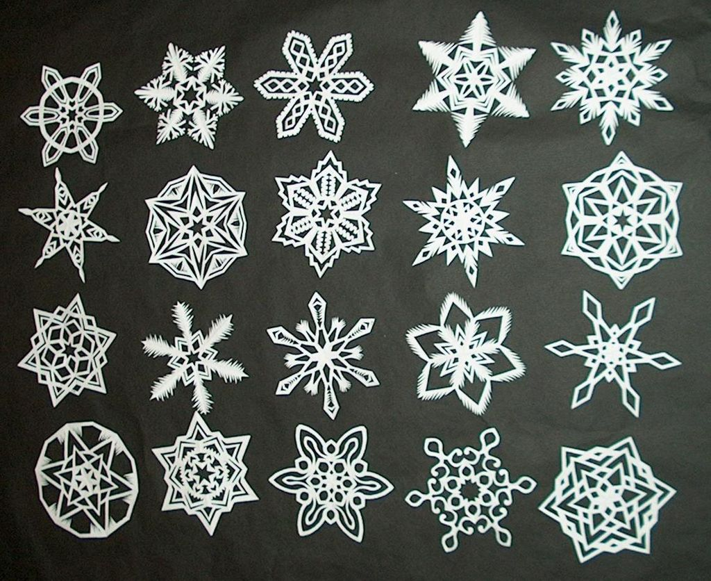 http://www.instructables.com/id/How-to-Make-6-Pointed-Paper-Snowflakes/