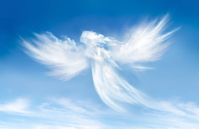 Image of a cloud shaped as an angel